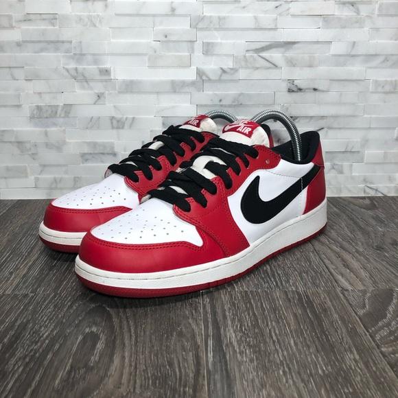 low priced 5793a 13081 Nike Air Jordan Retro 1 Low OG Chicago Bulls. M 5c0560de0cb5aac9cf8d5f20